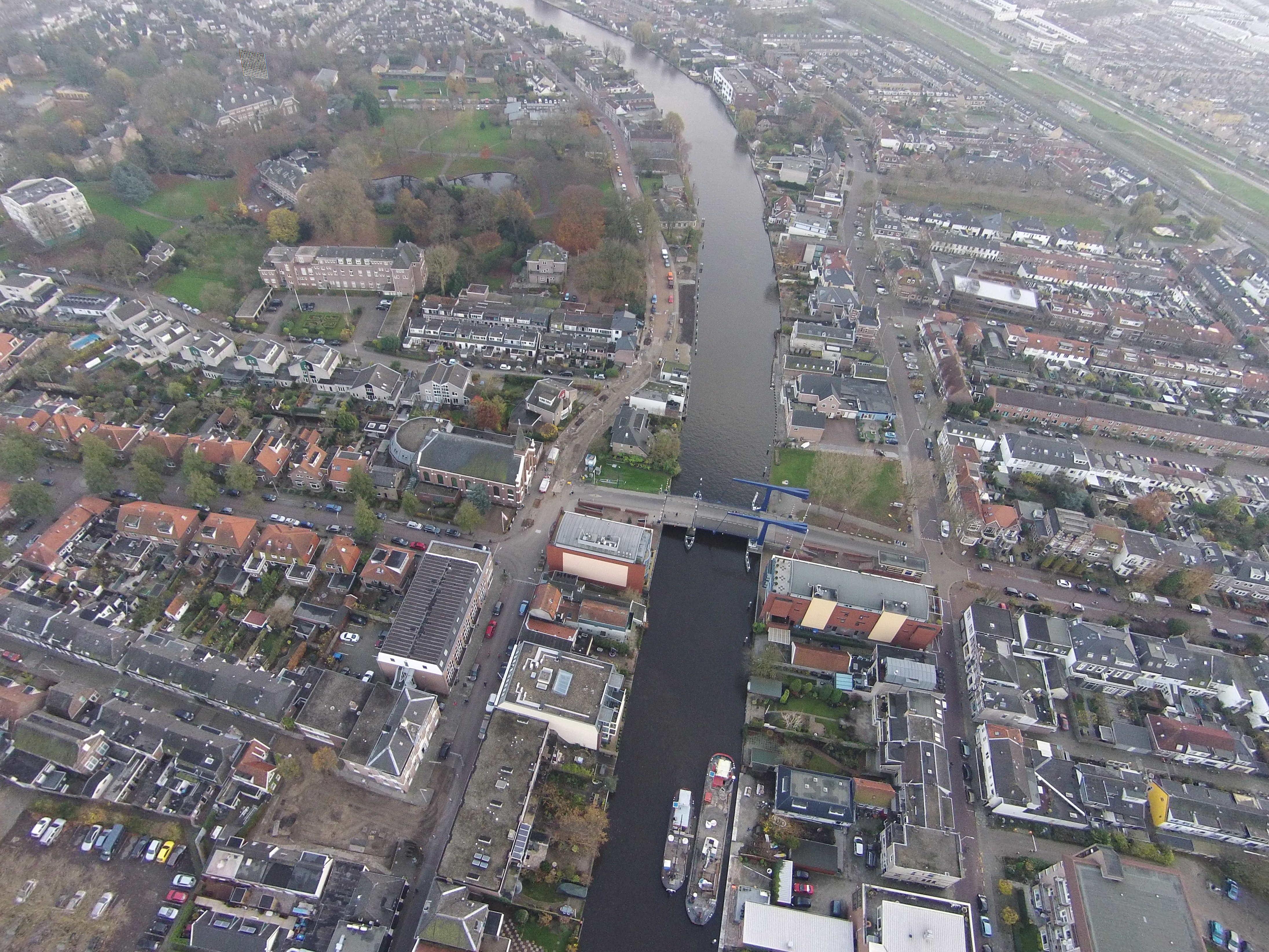 Uitzicht op de swaenswijkbrug luchtfotos - Uitzicht op de tuinman ...