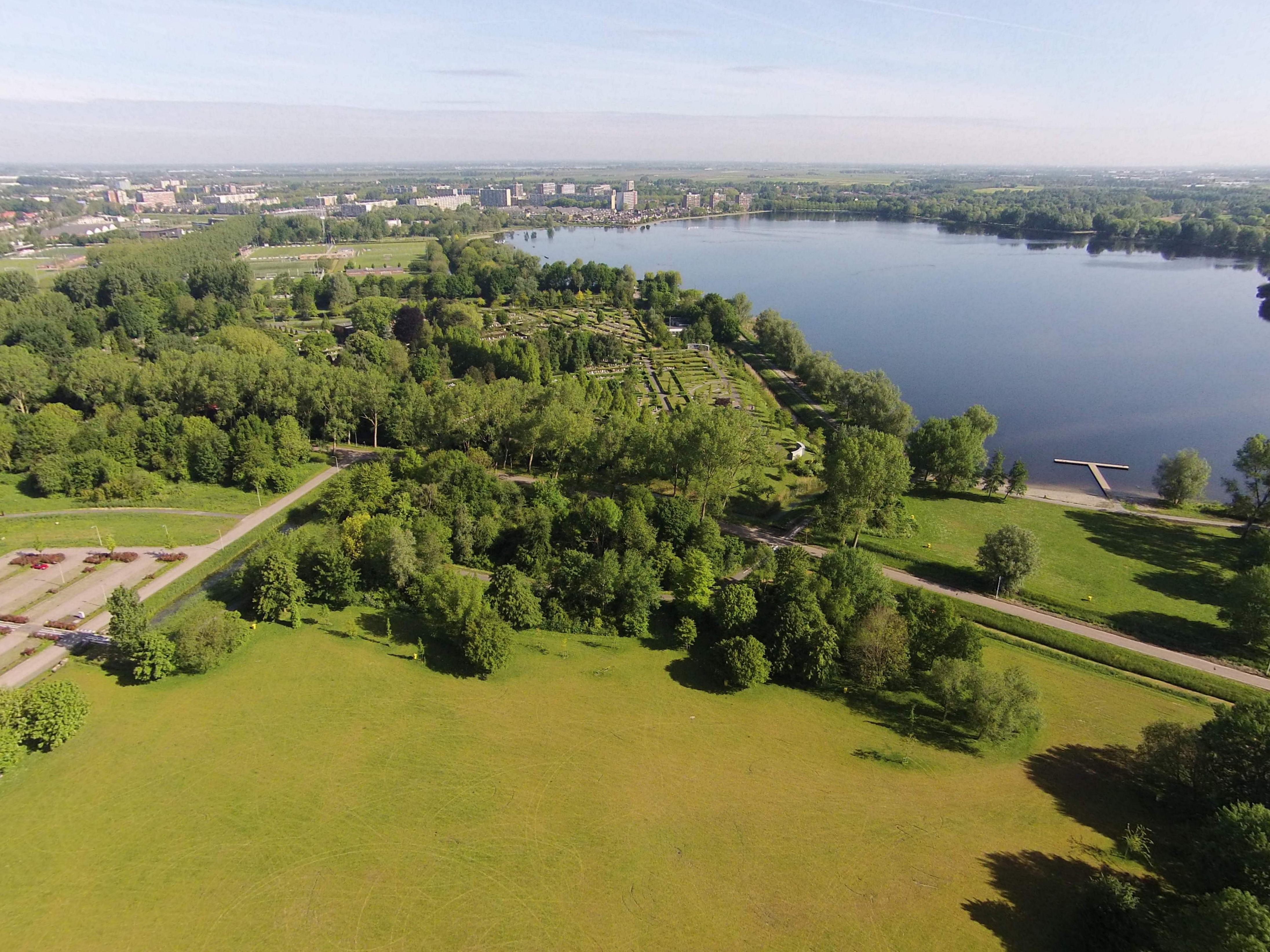 Uitzicht op de begraaf plaats luchtfotos - Uitzicht op de tuinman ...