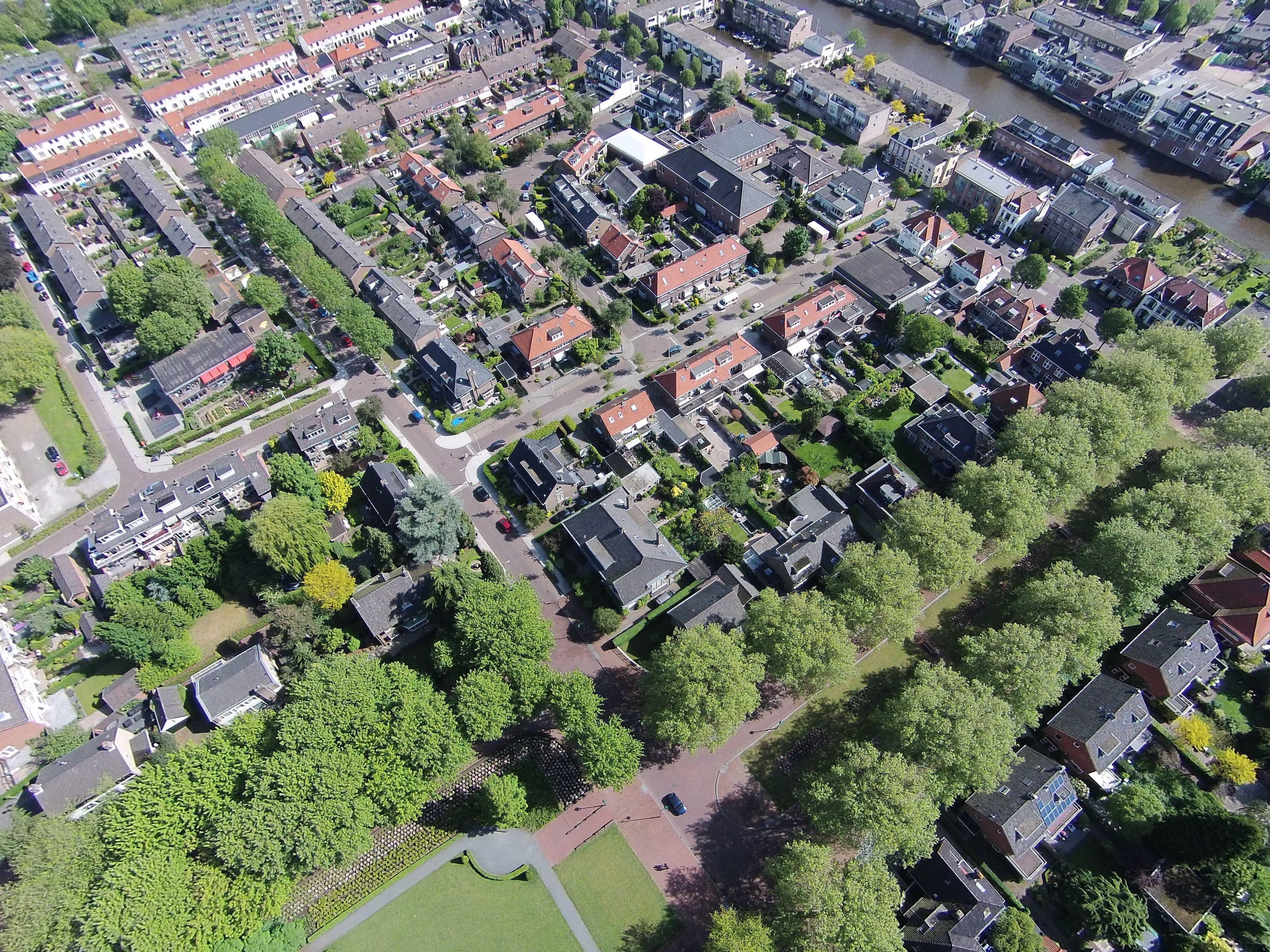 Uitzicht op de oude rijn iv luchtfotos - Uitzicht op de tuinman ...