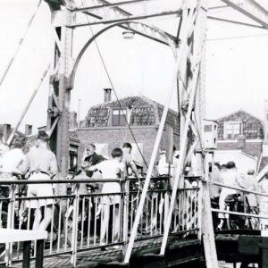 Hooftstraat noodbrug 1953