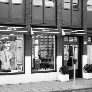 Hooftstraat 119, Jan Vic