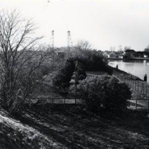 Begraafplaats naast het Aarkanaal