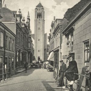 Brugstraat en Adventskerk