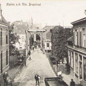 Brugstraat en Alphensebrug