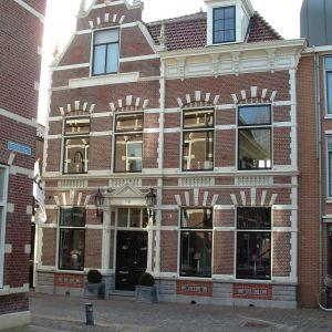Voormalig Burgemeesterswoning, Raadhuisstraat