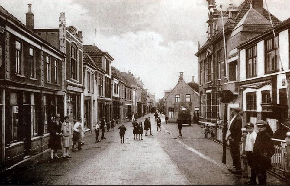 Hooftstraat Met Hotel Centraal En Nutsgebouw