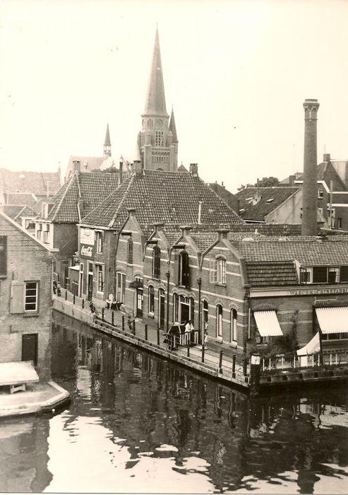 Omloopkanaal, 1e Coca Cola Fabriek Van Nederland
