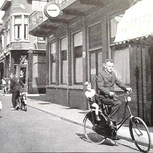 Raadhuisstraat, Van Mandersloosstraat, Van Boetzelaers