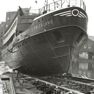 De Vries Lentsch tewaterlating veerboot Friesland