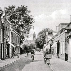 Prins Hendrikstraat met Adventskerk