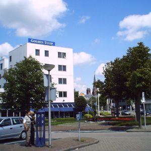 Stationsplein, Hotel Toor
