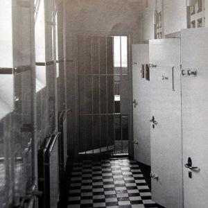 Burgemeester Visserspark, politebureau cellen